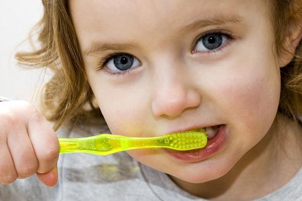 çocuğunuz diş fırçalamayı sevmiyor mu