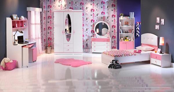 Pembe beyaz genc odası